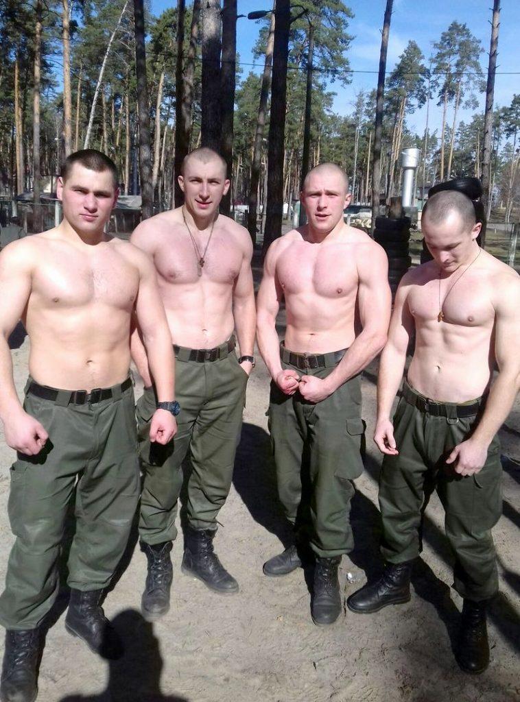 качаемся в армии
