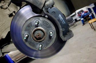 Как поменять тормозные колодки на Hyundai Solaris